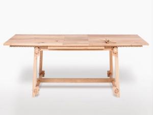 Деревянный дубовый стол с шестеренками