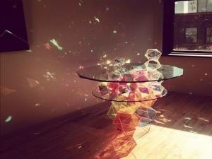 Sparkle Geometric Table завоевал сердца покупателей